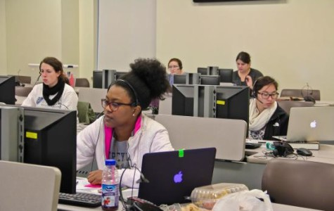 Students work at Phonathon, raise funds for university
