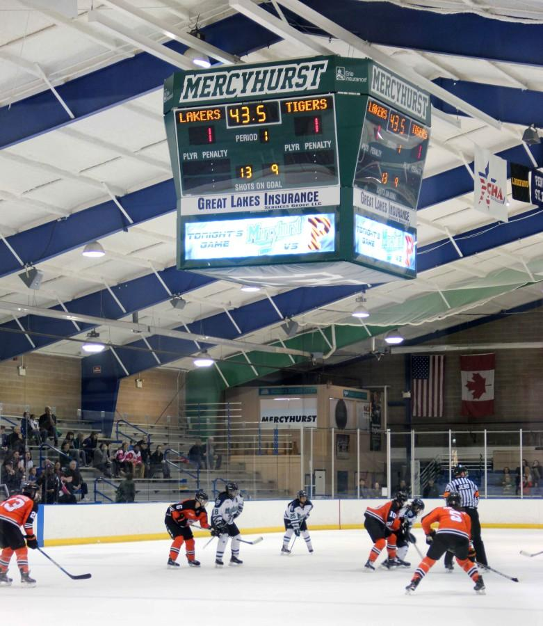 Women's hockey continues rough start to their season