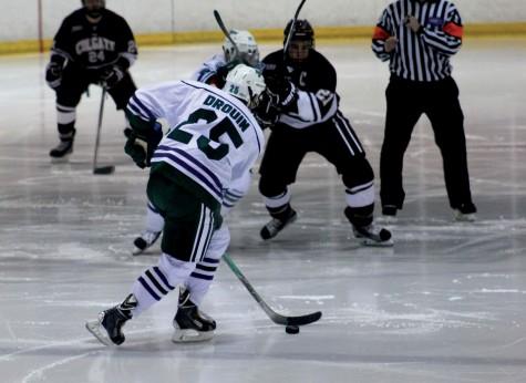 Men's hockey rallies to split weekend