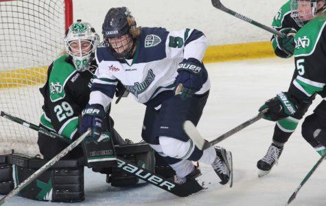 Women's Ice Hockey falls to North Dakota