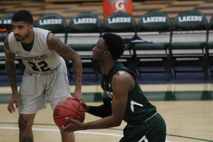 Mercyhurst%E2%80%99s+Miykah+McIntosh%2C+No.+0%2C+prepares+to+shoot+a+free+throw.+