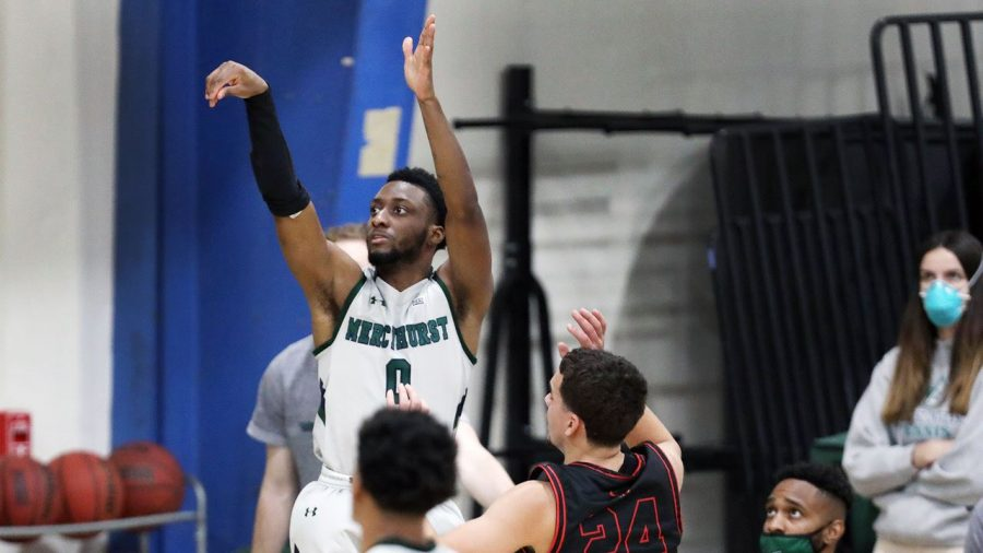 Men's basketball remains undefeated against Clarion