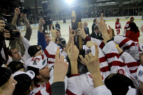 Ethan Magoc photo: Wisconsin's women's hockey team hoists the NCAA championship trophy on Sunday, March 20, 2011 at Tullio Arena.