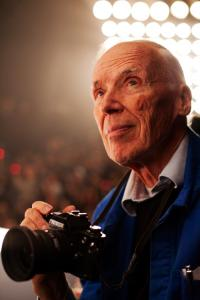 www.blogspot.com photo: Bill Cunningham travels around NYC taking street photography.