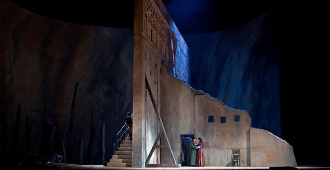 """The opera """"Il Trovatore"""" tells a story of love, war and jealousy."""