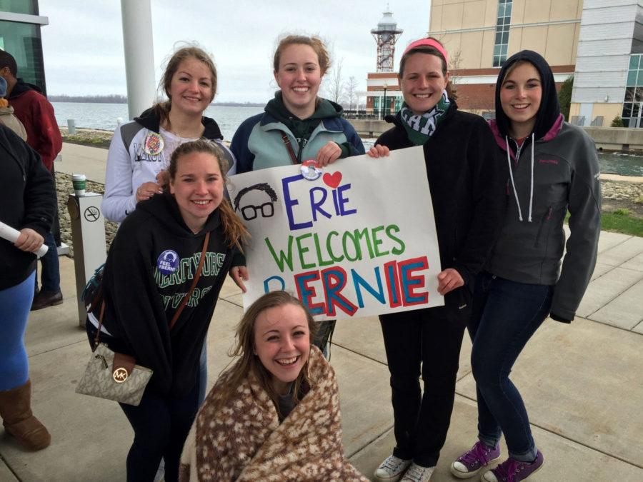 Students+hold+up+their+sign+and+show+support+for+Sanders.