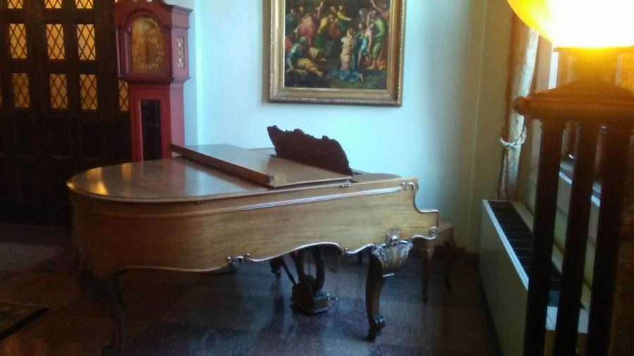 Old Main to replace baby grand piano