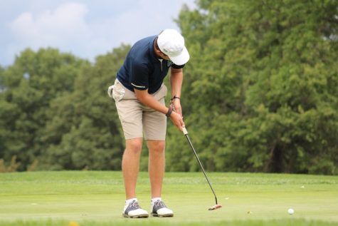 Lakers golf back on the course