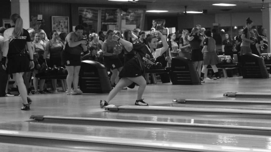 Womens bowling take third place at Railsplitter Classic